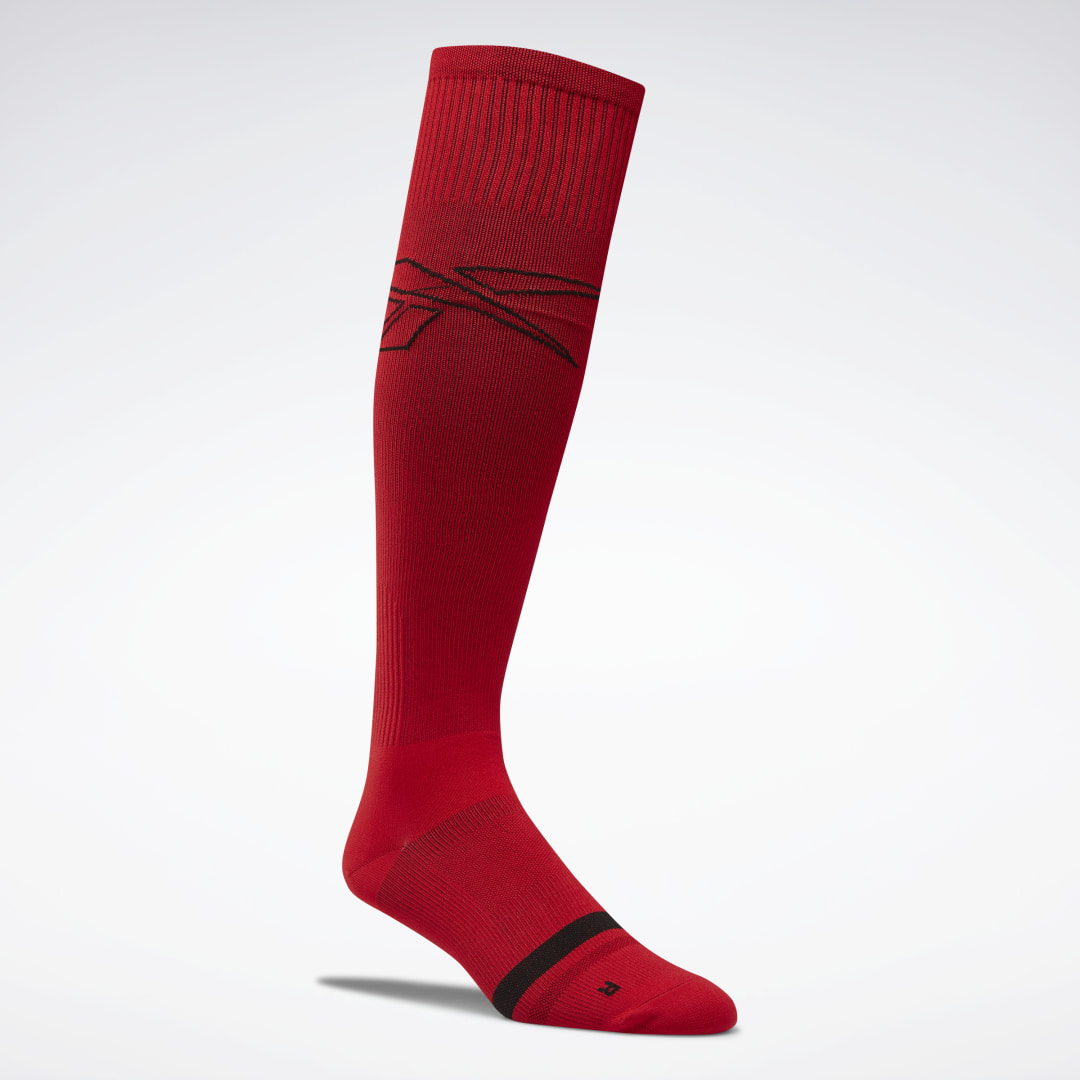 Wear these men\\\'s compression socks during your workout or as you recover to help you achieve your fitness goals. The knee-length socks have a snug fit that hugs the feet and legs. Moisture-wicking yarns move sweat away from your skin as your training sess