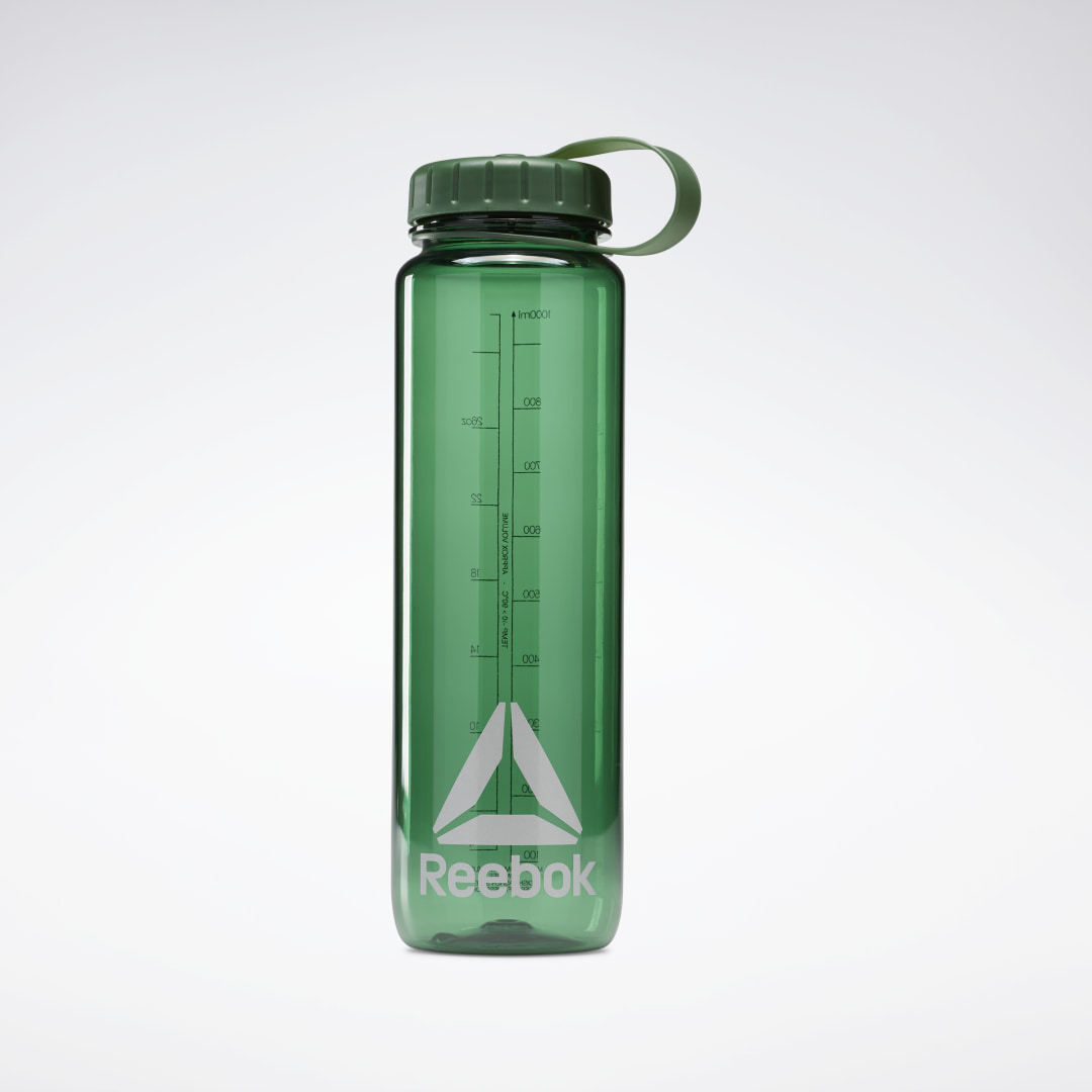 Reach for a quick sip of water between sets to stay on top of your game. This water bottle is easy to fill from the kitchen sink. It has volume markings, so you can be sure you\'re getting just as much H2O as you need. 1000 mL Imported