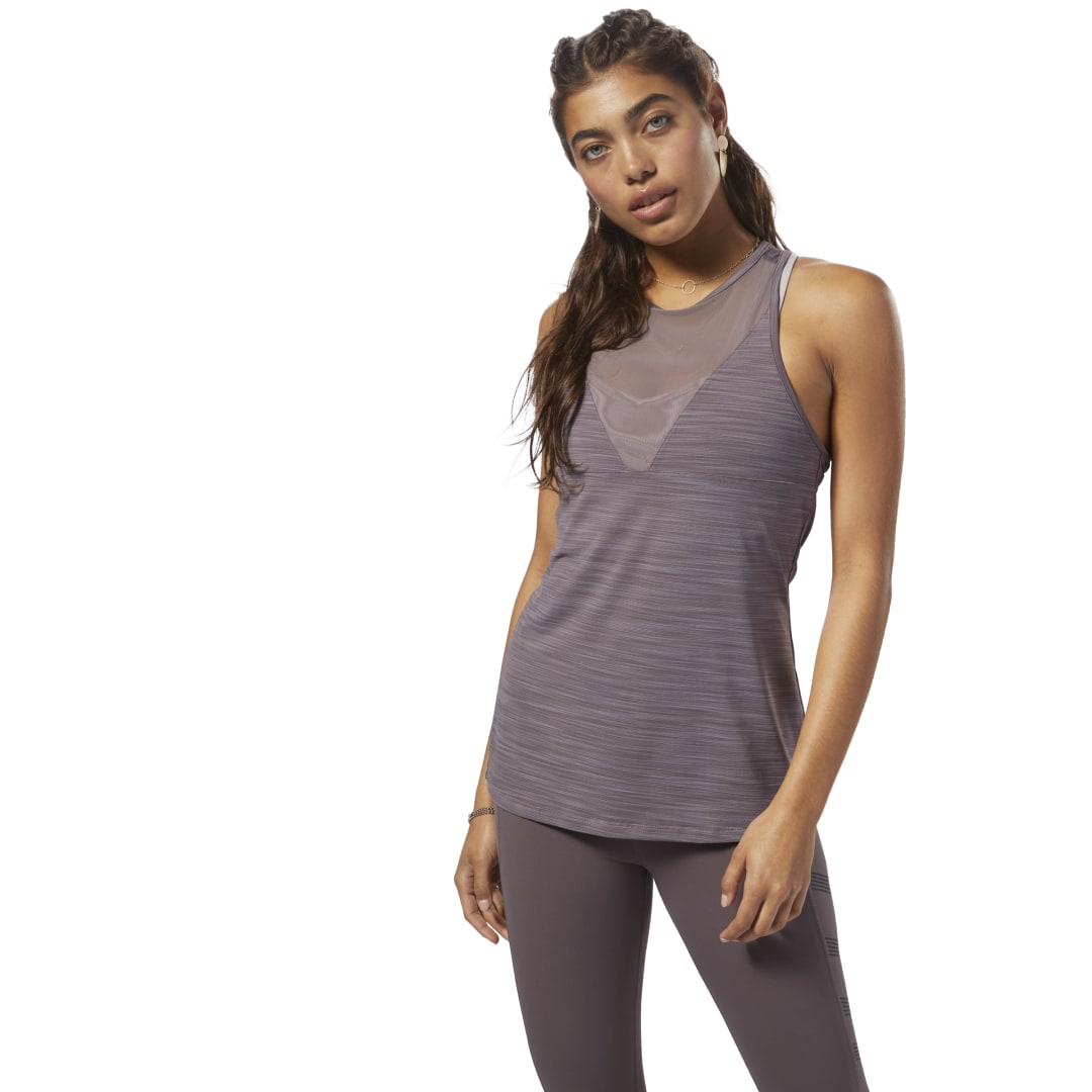 When things heat up in the gym, cool down with this women\'s ACTIVCHILL tank. Breathable mesh inserts help maximize airflow. Imported