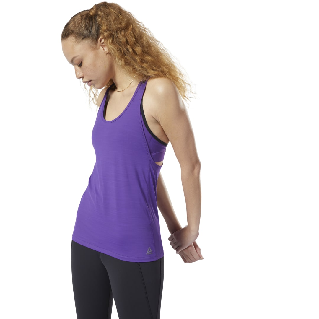 Maximize your full potential. This women\'s high-performance tank top circulates airflow and wicks sweat to keep you comfortable during any training session. ACTIVCHILL mesh on the back helps ventilate and keeps you cool, and Speedwick single jersey at the