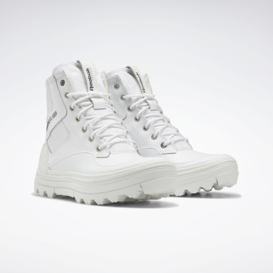 Women Classics White Club C Cleated Mid Shoes
