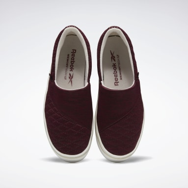 Women Walking Burgundy Katura Women's Shoes