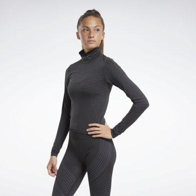 Women Hiking Black Seamless Long Sleeve Tee