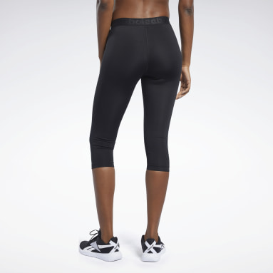 Women Hiking Black Capri Tights