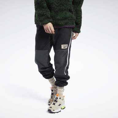 Men Classics Black Classics Winter Escape Fleece Joggers