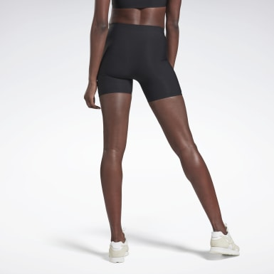 Women Yoga Black VB Buffer 3.0 Shorts