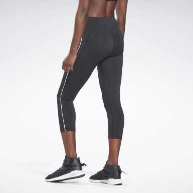 Women Studio Black Vector Capri Tights