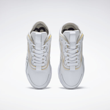 Classics White VB Bolton Leather Shoes