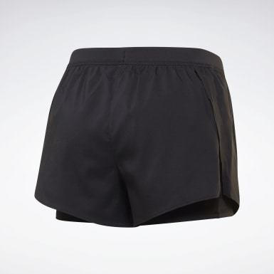 Frauen Wandern Running Essentials Two-in-One Shorts Schwarz