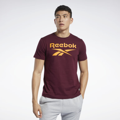 Remera Graphic Series Reebok Stacked Granate Hombre Fitness & Training