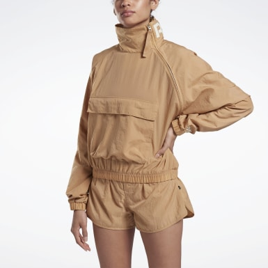 Women Fitness & Training Beige VB Woven Crew Jacket