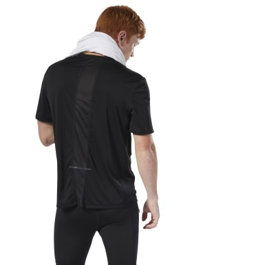 Camiseta Run Essentials Negro Hombre Running