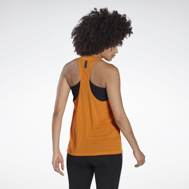 Frauen Studio LES MILLS® BODYCOMBAT® Supremium Tanktop Orange