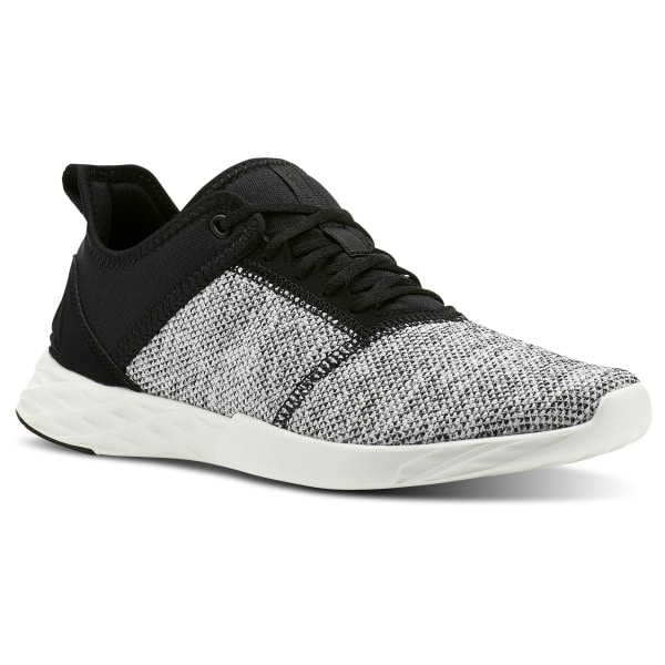 a0bb59cb794cf6 Reebok Astroride Edge Knit-black   Chalk CN2493