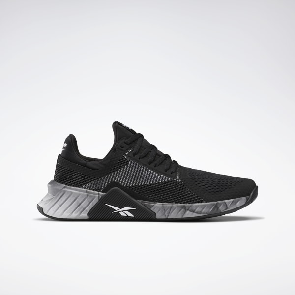 all black cross training shoes