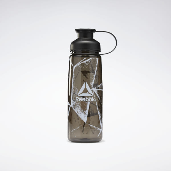 Take a break from your training to hydrate. This water bottle holds 750 mL of liquid refreshment. The screw top provides easy access. Stylish graphics offer a bold look. 100% plastic Volume: 750 mL Screw-top opening for easy filling Imported