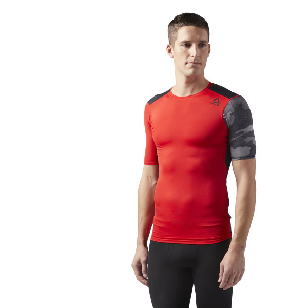 8b7c6134cd Reebok ACTIVCHILL Graphic Compression Tee - Red | Reebok MLT