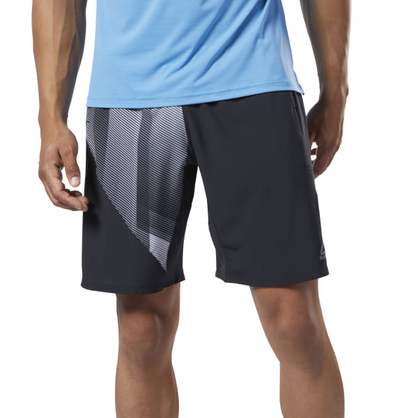 Go beyond expectation. These men\'s shorts hold up to the intensity of explosive workouts with sweat-wicking fabric. Lightweight and ultra-stretchy, they encourage a total range of motion in box jumps and deep squats. 50% recycled polyester / 36% polyester / 14% elastane plain weave Designed for: Training Regular fit Speedwick fabric wicks sweat to help you stay cool and dry Front pockets; Adjustable drawcord on elastic waist; Side slits on hem Four-way stretch woven fabric for mobility Imported